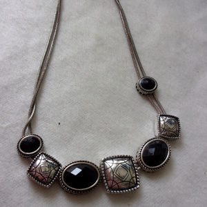 Jewelry - Silver and black slide necklace